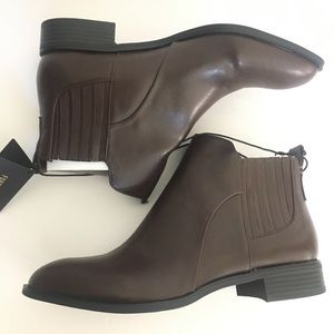 Forever 21 chestnut brown Chelsea boots size 9